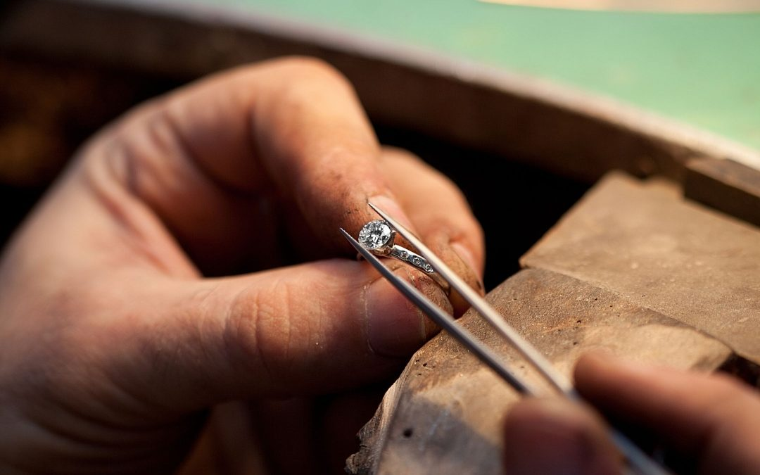What To Know When Designing Your Own Engagement Ring